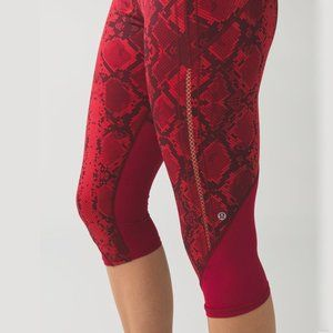 Lululemon Vent It Out Crop in Mini Ziggy Snake Red